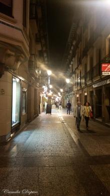 """La parte vieja de Sanse, muchas calles estrechas y parecidas. Dicen los visitantes que van de pintxos y zuritos: """"si no te perdiste, es que no fuiste""""."""